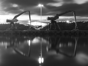 Hamn i nattsken